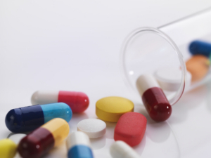 test-tube-and-pills-HAE